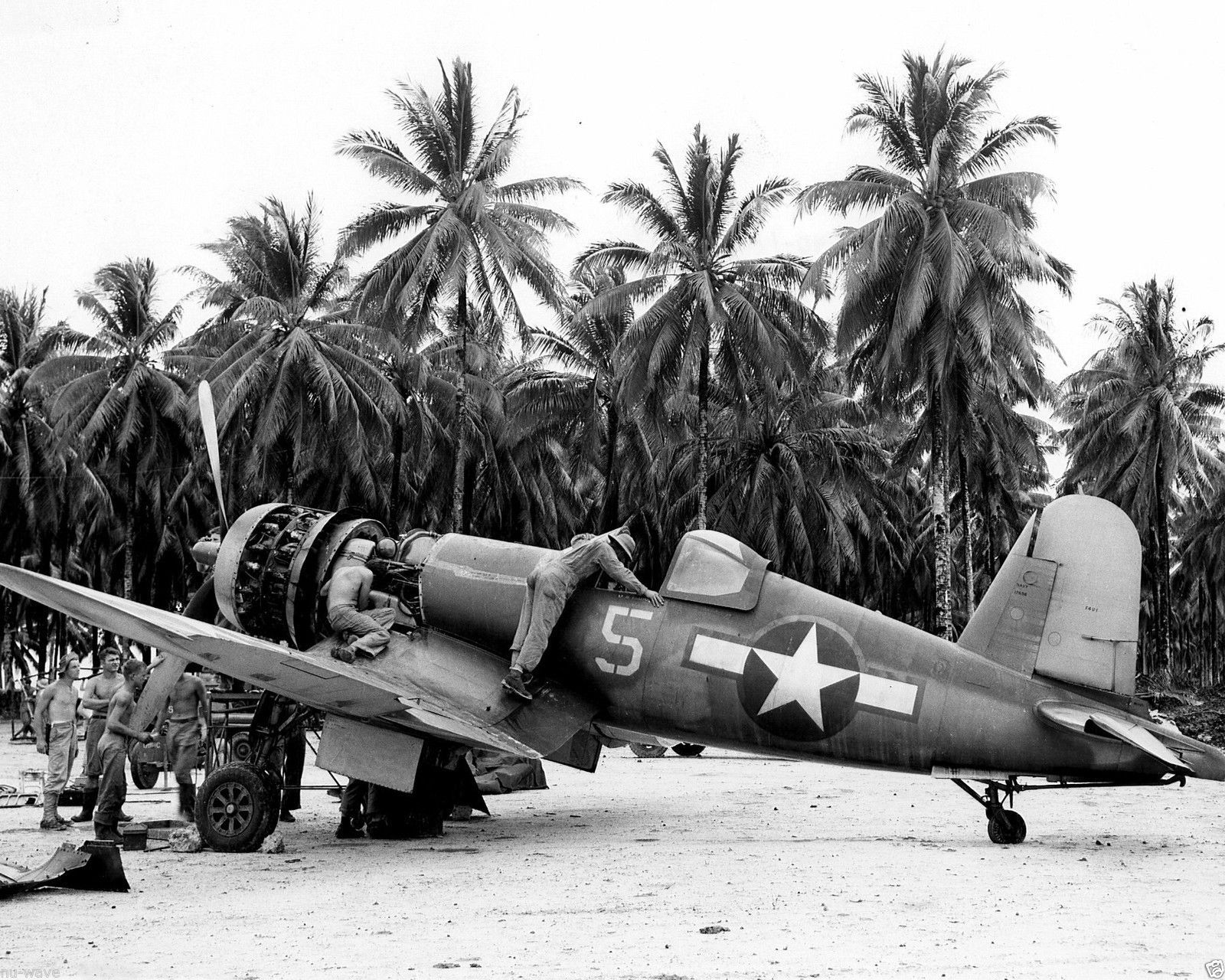 1944-US Navy Vought F4U-1A Corsair Fighting Squadron VF-17 Jolly Rogers-PACIFIC