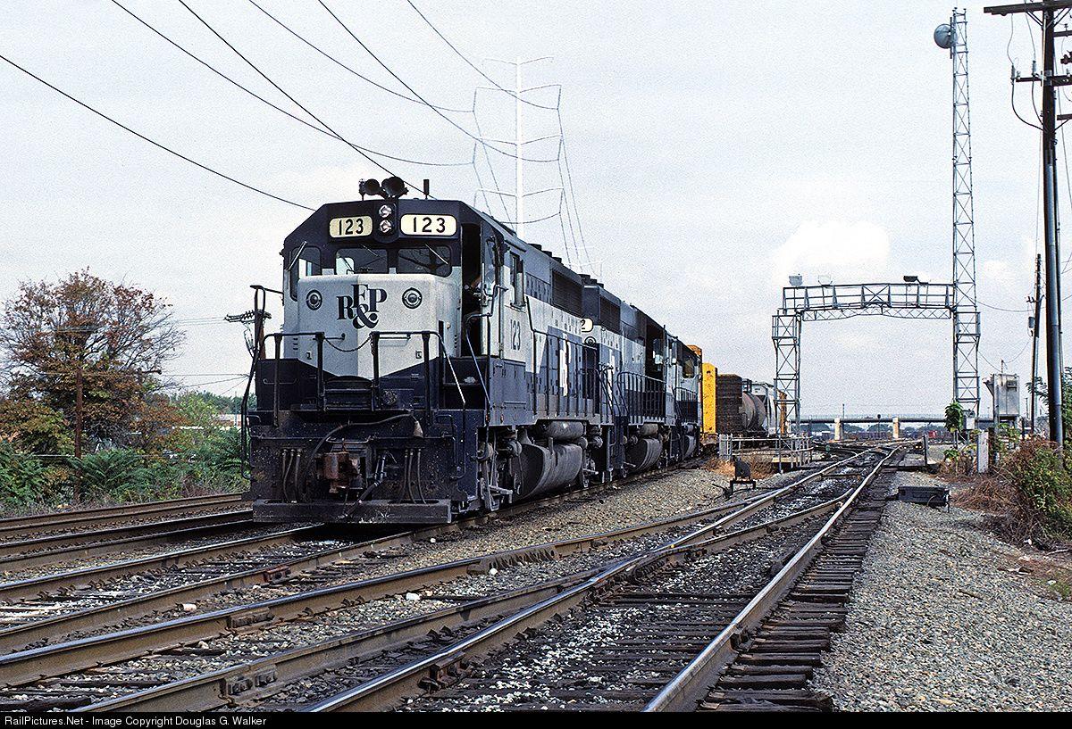 RailPictures.Net Photo: RFP 123 Richmond, Fredericksburg & Potomac EMD GP40 at Alexandria, Virginia by Douglas G. Walker
