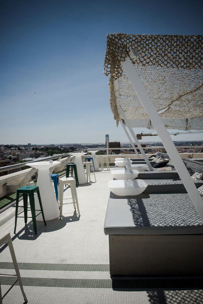 La Terraza De El Circulo De Bellas Artes En Madrid Colores De Pintura Para Exteriores Pergola Exterior Edificios