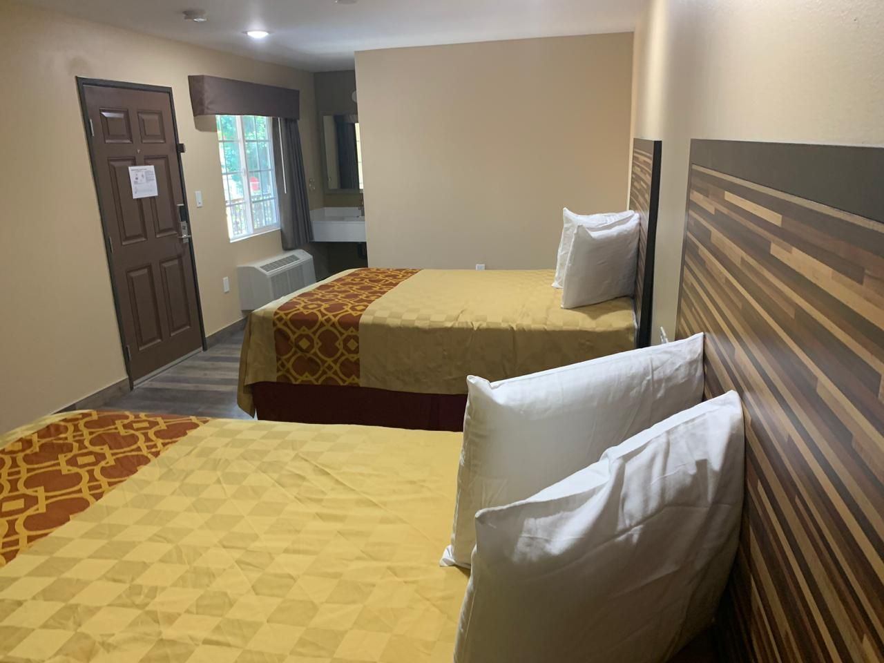 Garey Pomona Ca Motel Is Right Choice For You With Images Motel Pomona Home Decor