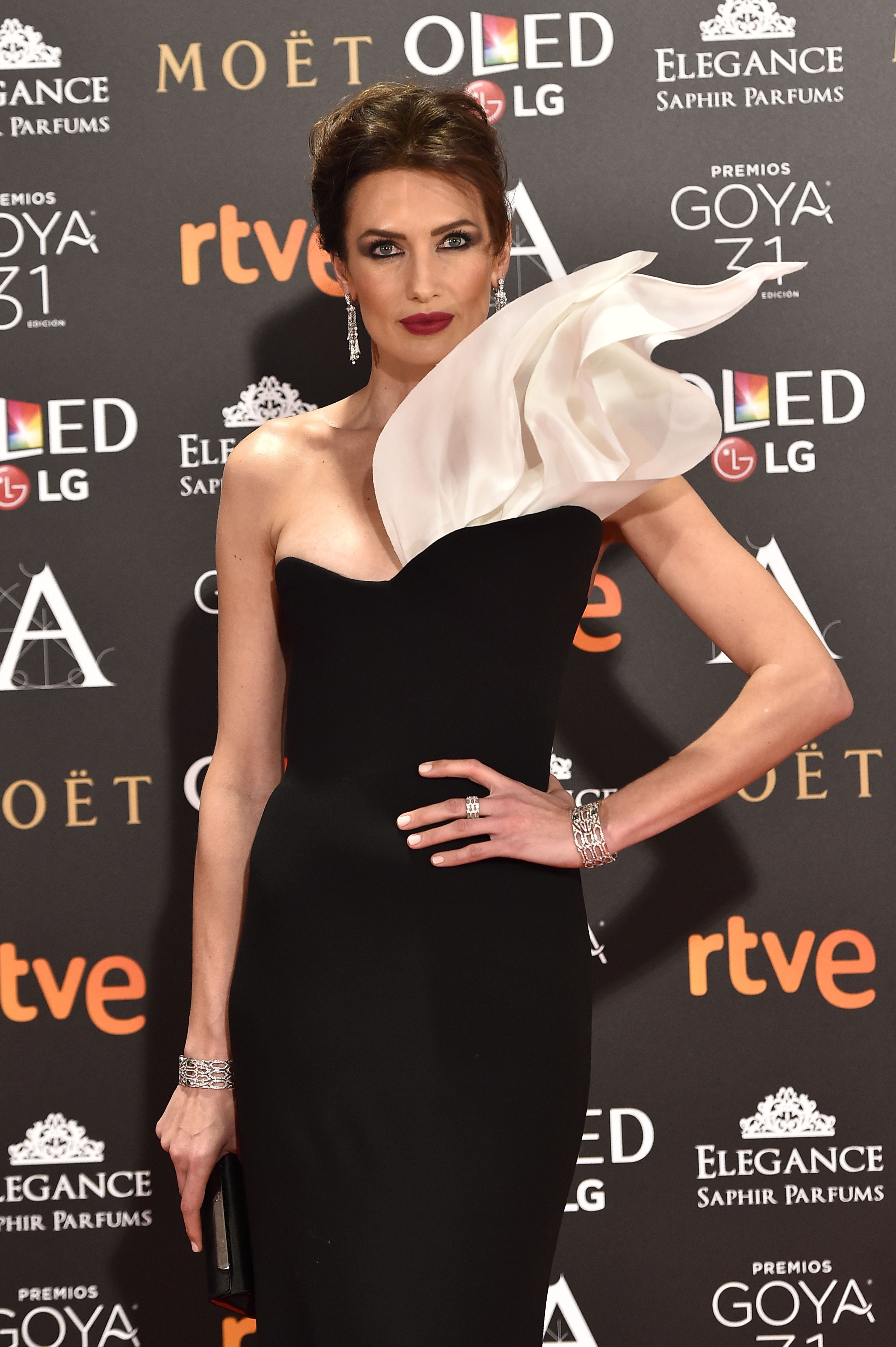 Is a cute Nieves Alvarez naked (62 photo), Sexy, Sideboobs, Twitter, see through 2019