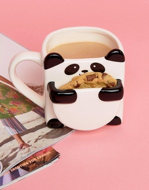 A panda mug with a special slot for your afternoon snack to make your favorite cookie taste fresh out of the oven. #cookies