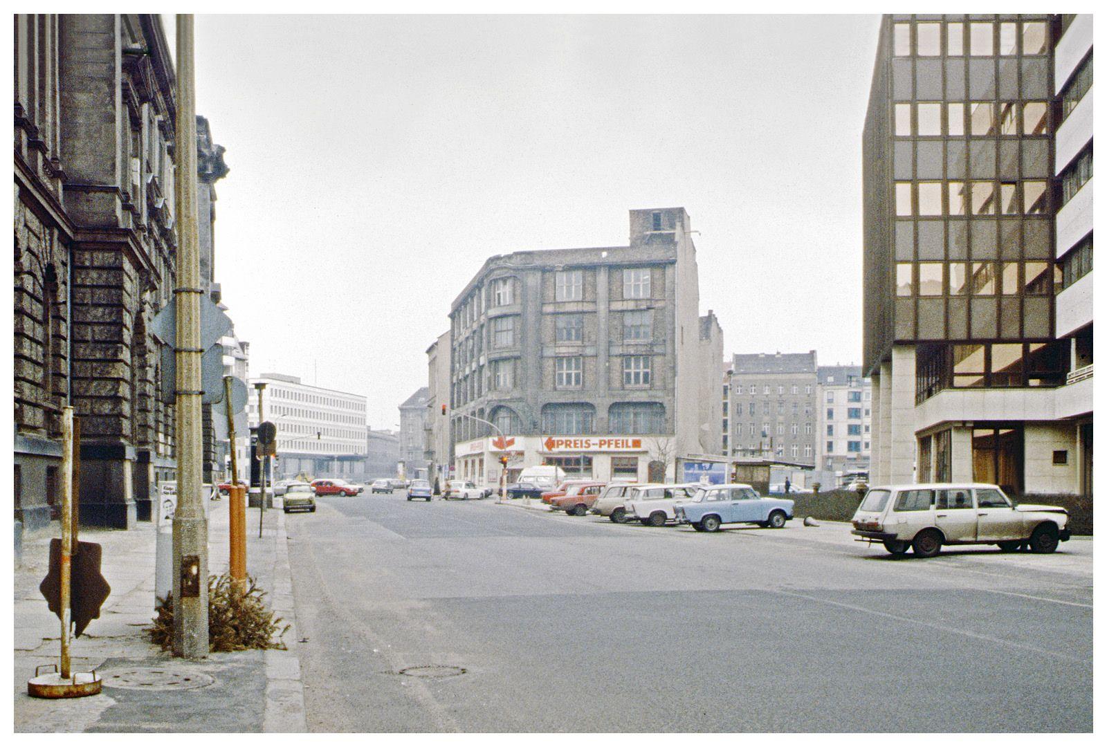 Mauerstraße | Berlin-Mitte 1991 | by S. Dekind