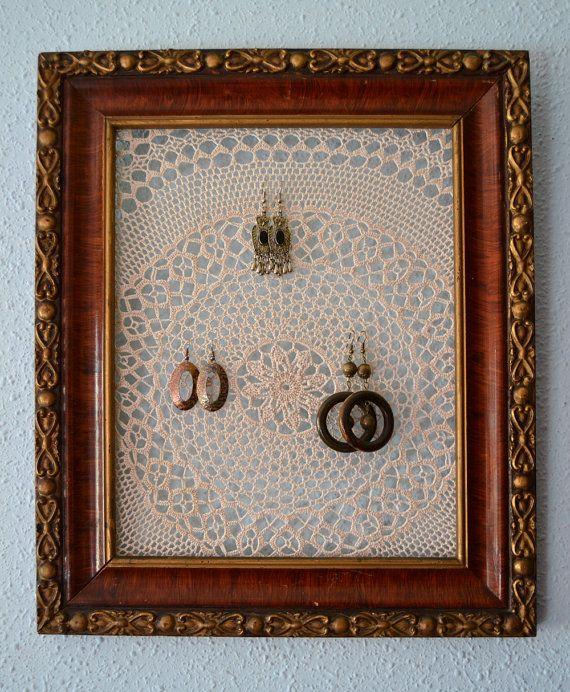 Custom Jewelry Display Frame: Ranger Ses Bijoux Avec Un Nappeon ! Custom Jewelry