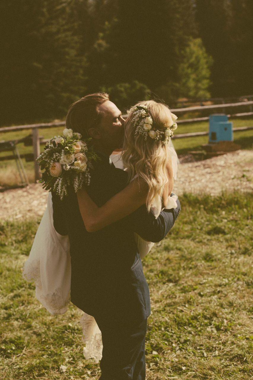 Outdoor bohemian hippie natural wedding uc wedding photography