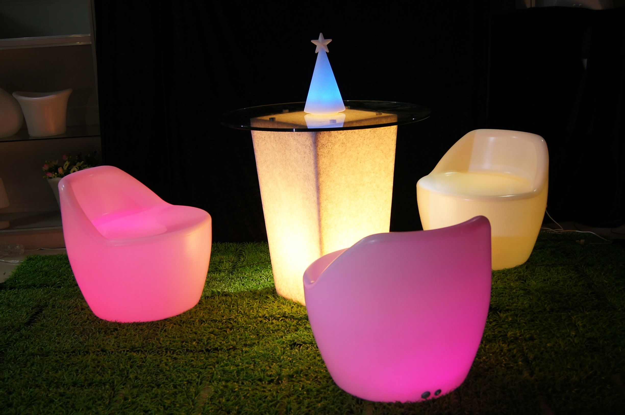 Glow In The Dark Wedding Reception Furniture And Styles Ideas