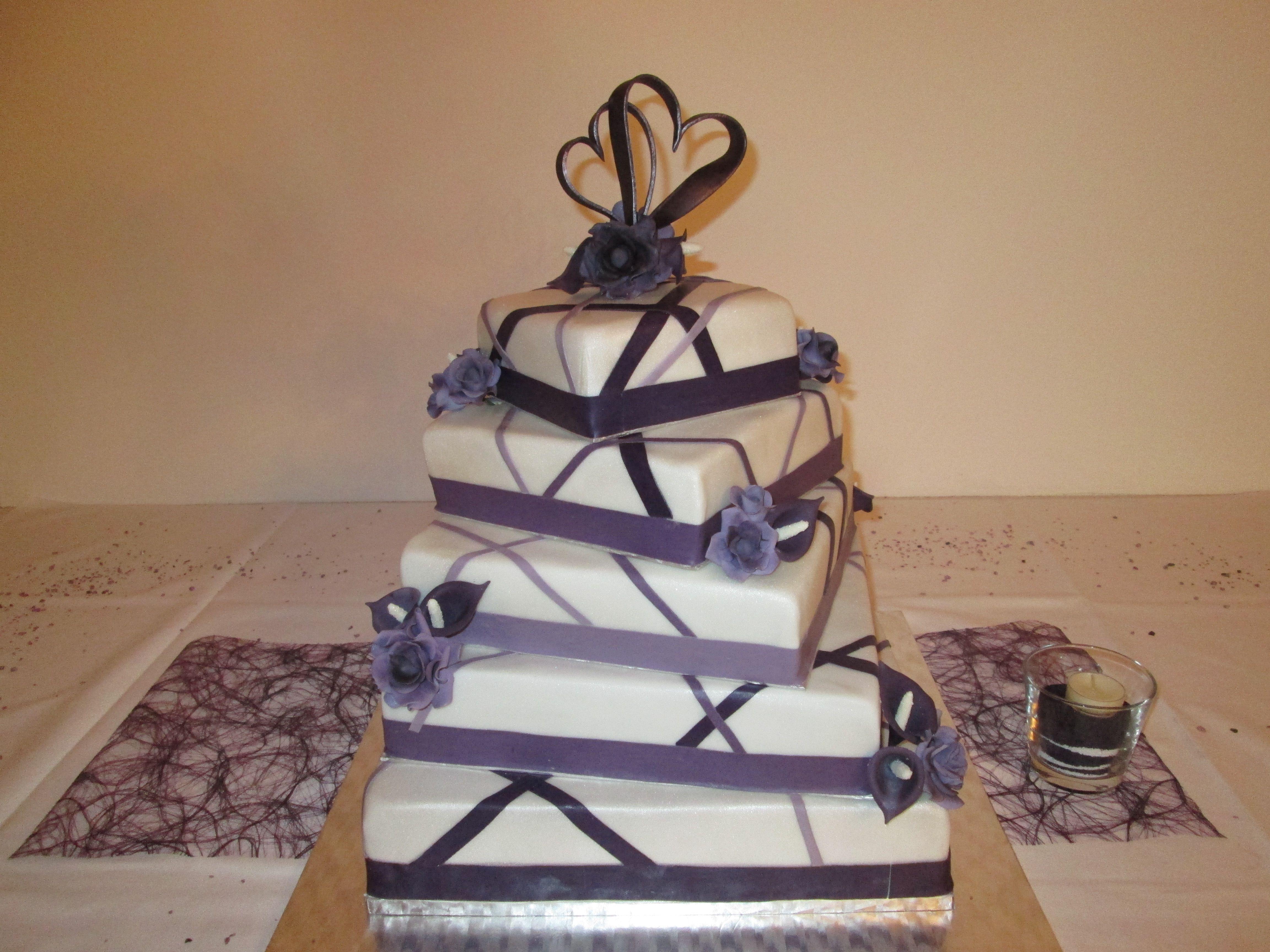 Faszinierend Hochzeitstorte Lila Sammlung Von #hochzeitstorte Lila-weiß Mit Rosen Und Calla #wedding-cake