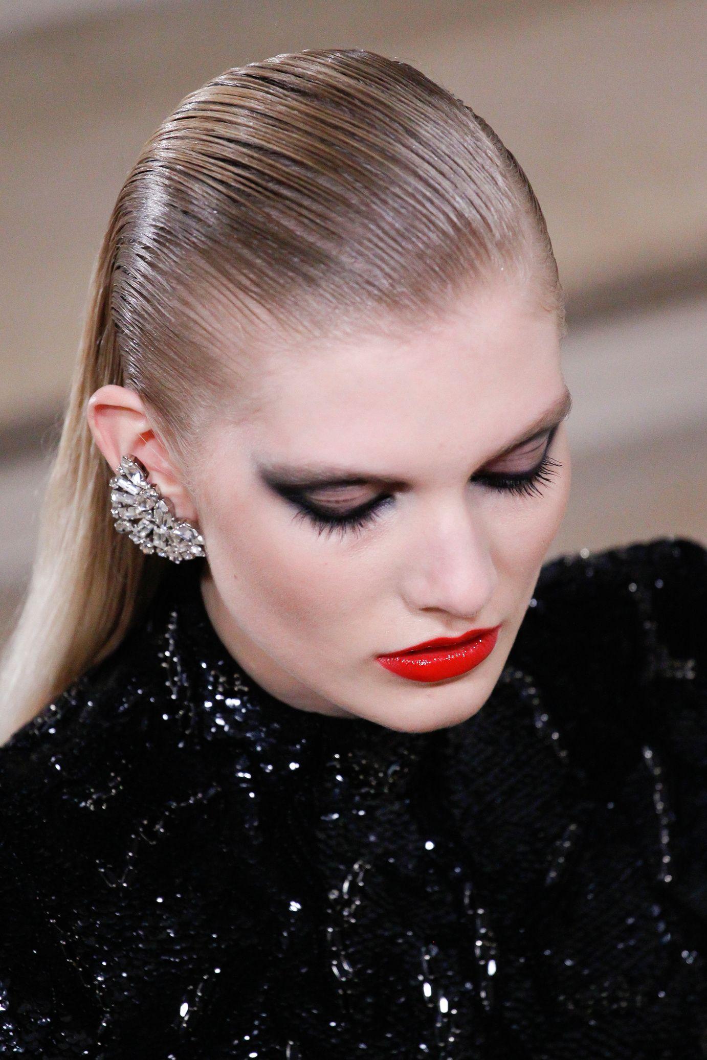 Defiles Vogue Paris Cheveux Humide Coiffure Hiver 2016