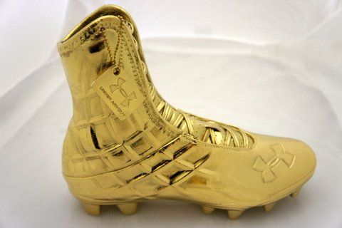 24kt Gold Plated Under Armour Cleat With Custom 24kt Gold Plated Hang Tag Www Bronzery Com Gold Football Cleats Football Cleats Soccer Shoes