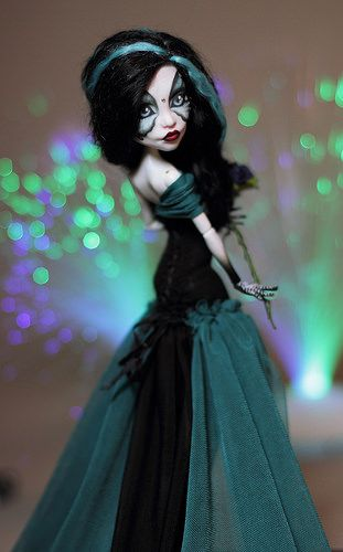 Spectra Noir | Flickr - Photo Sharing! ** I have a dress like this! just a bit shorter!