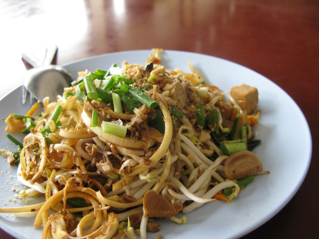 Pad thai thailand 10 dishes not to be missed thailand youll never order takeout again thanks to these tips for making pad thai easy forumfinder Choice Image