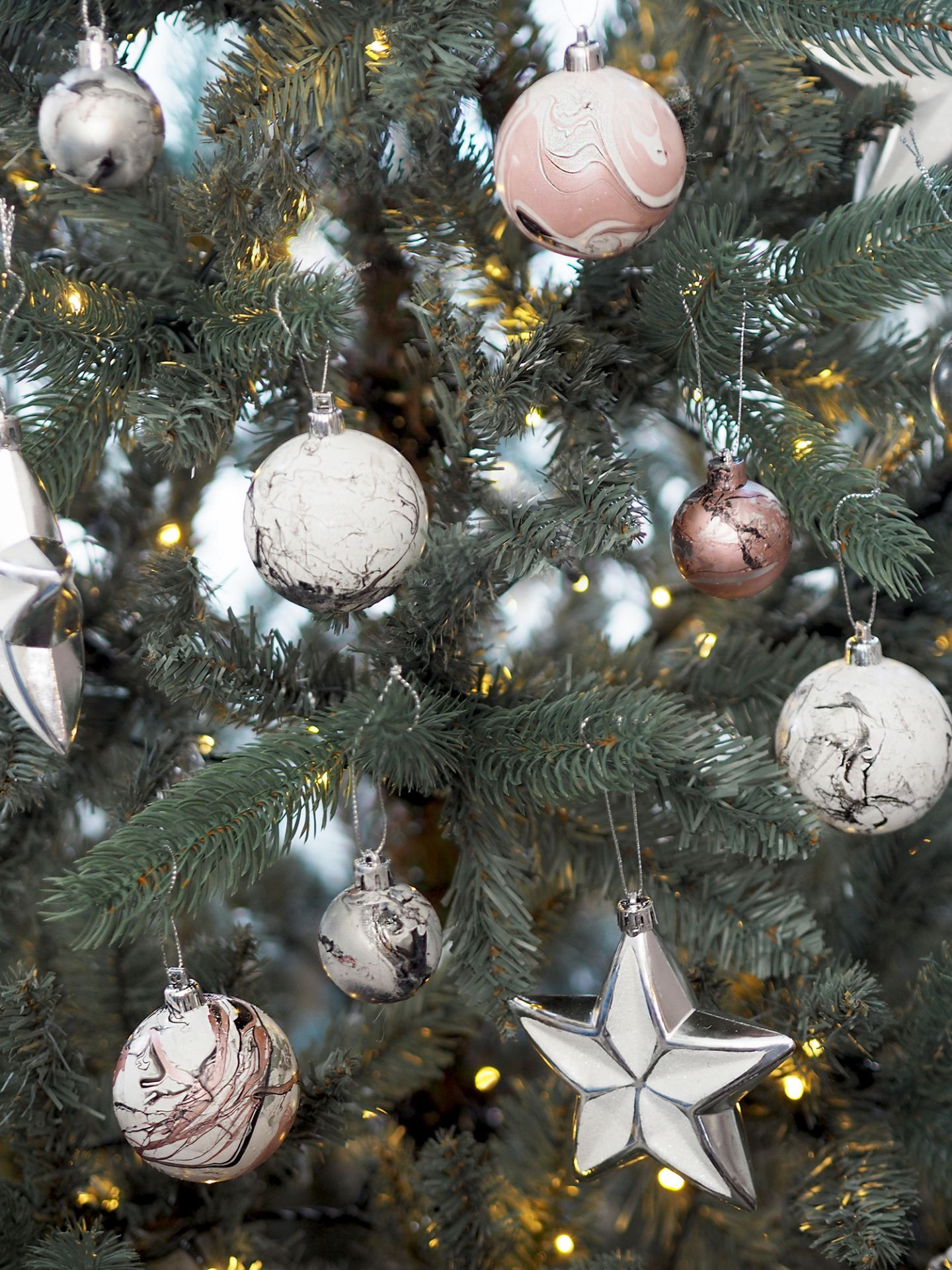 8 DIY Christmas Bauble designs Christmas Pinterest