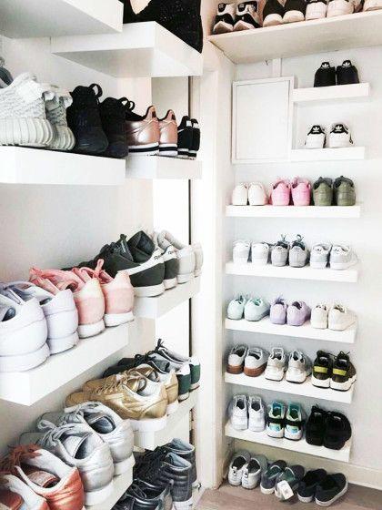 Wieso Verstecken Zeig Deine Schuhe Ruhig Offen In Einem Regal Kleiderschrank Madchen Turnschuhe Und Kleiderschrank Ideen