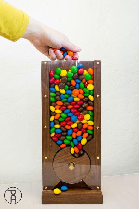 How to Make a Wood Candy Machine #wood