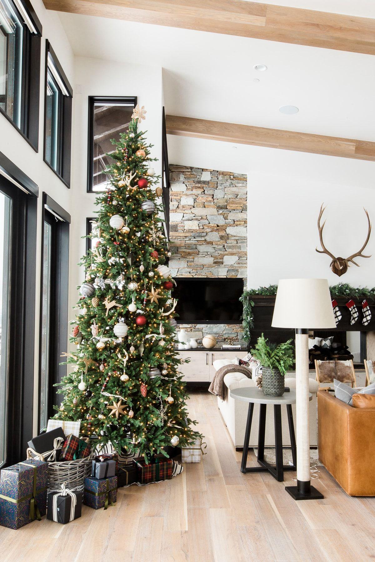 A Very Mountain Home Christmas Christmas Decorations Living Room