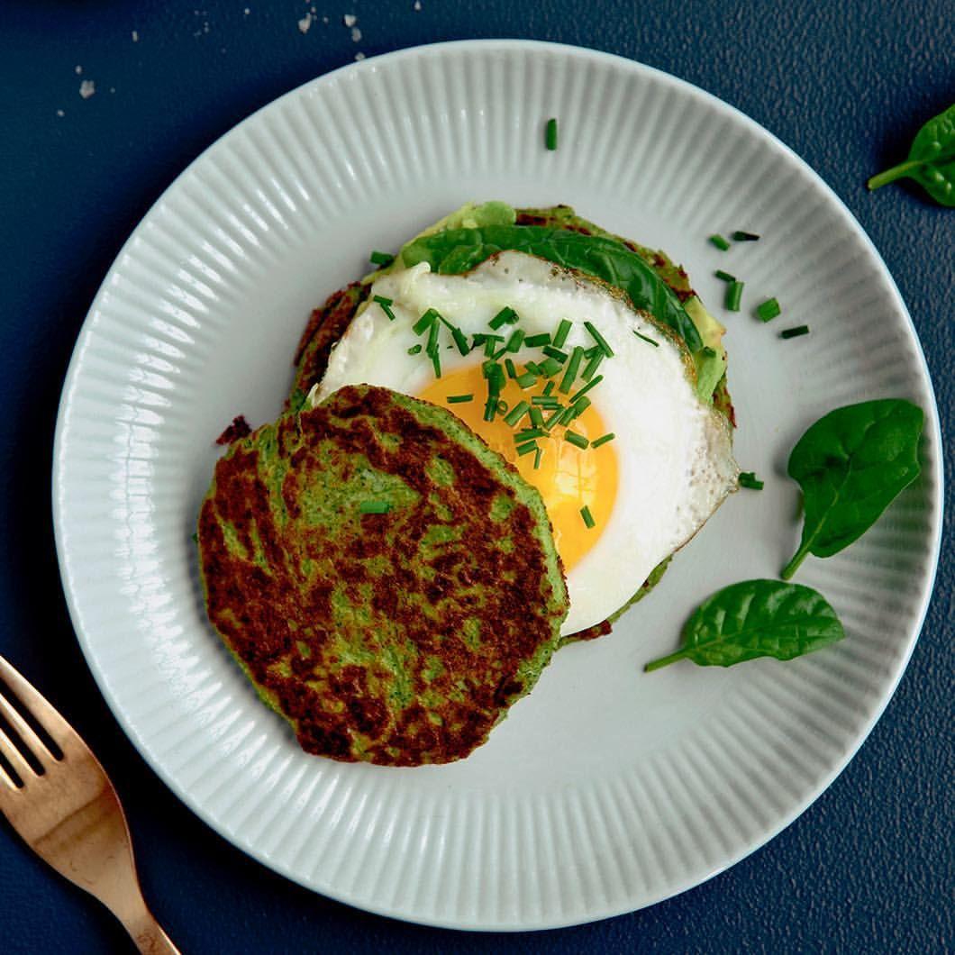 """620 Synes godt om, 12 kommentarer – Anne Bech (@trainerannebech) på Instagram: """"Goodmorning 💚🍳 Green pancakes: 2 eggwhites 4-5 basil-or spinach leaves 1 teaspoon psylliumshells…"""""""