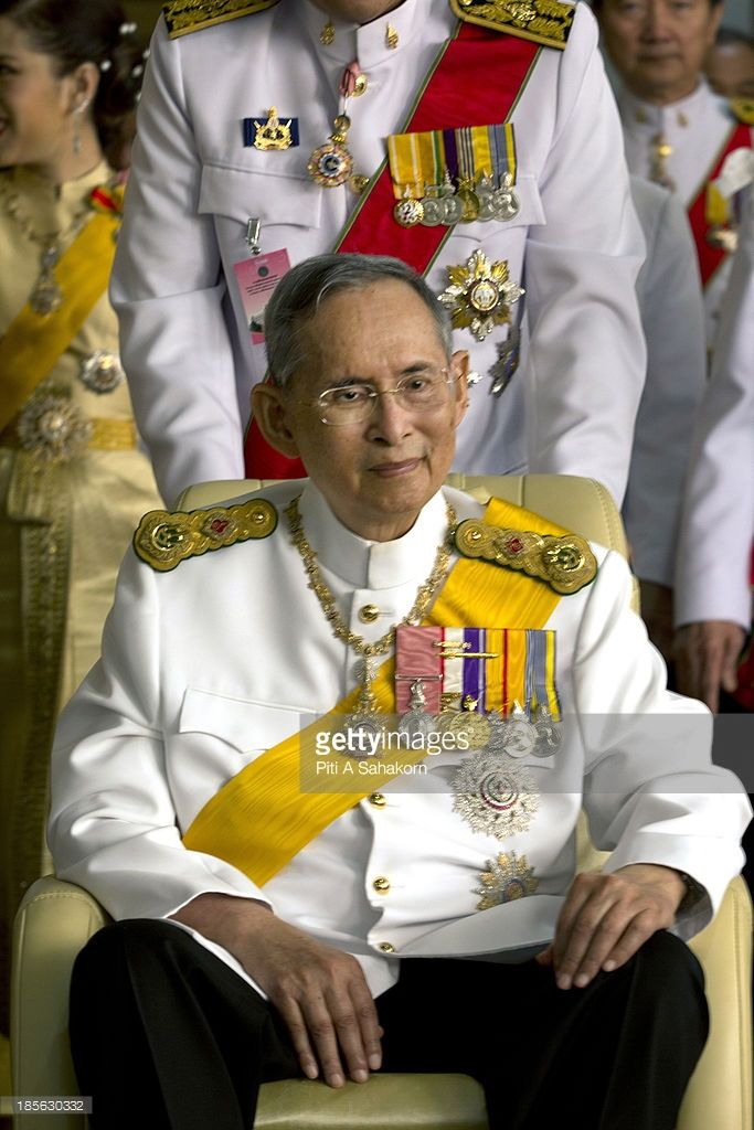 Thailand S King Bhumibol Adulyadej Smiles On His Birthday After King Bhumibol King Bhumibol Adulyadej King Thailand