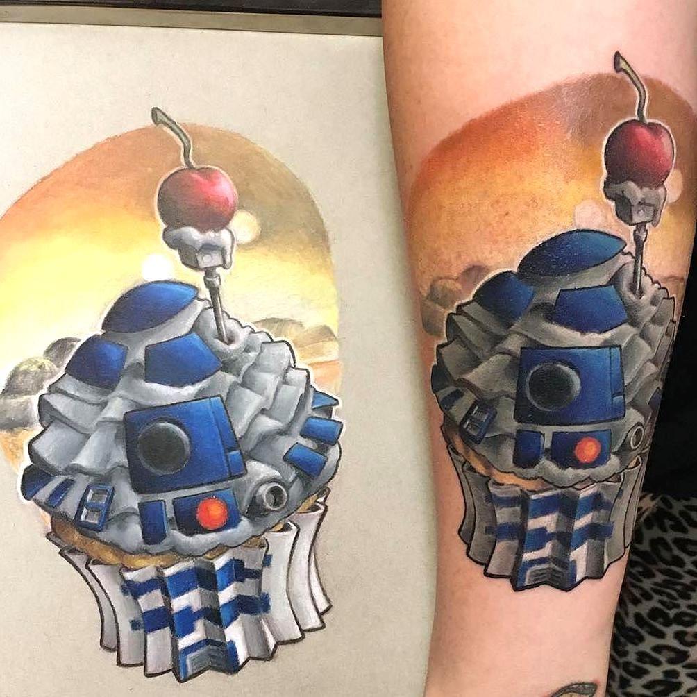 R2 Sweet2 By Painfulreminders In Las Vegas Nevada R2d2 Cupcake Sweettooth Starwars Painfulreminders Lasvegas N In 2020 Cupcake Tattoos Star Wars Tattoo Body Art