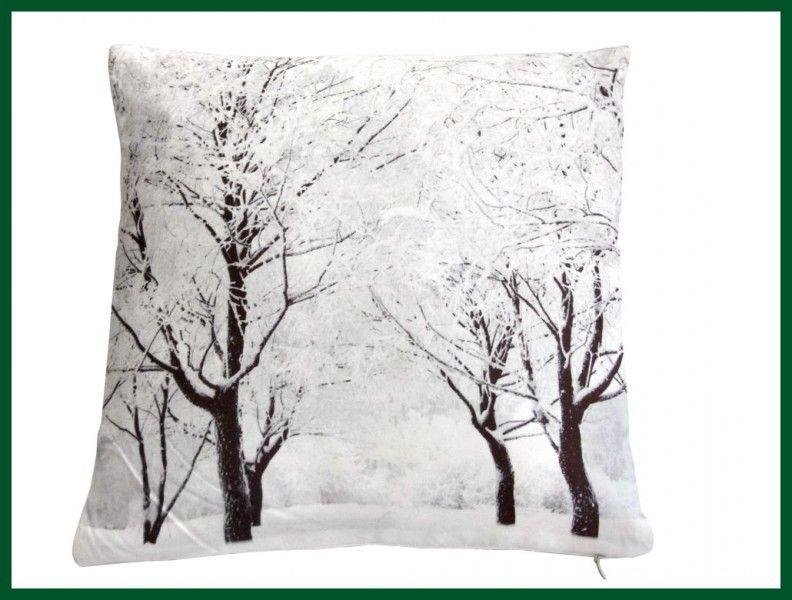 zierkissen winterwald foto kissen gef llt weihnachten wohntextilien kissen und kissenh llen. Black Bedroom Furniture Sets. Home Design Ideas