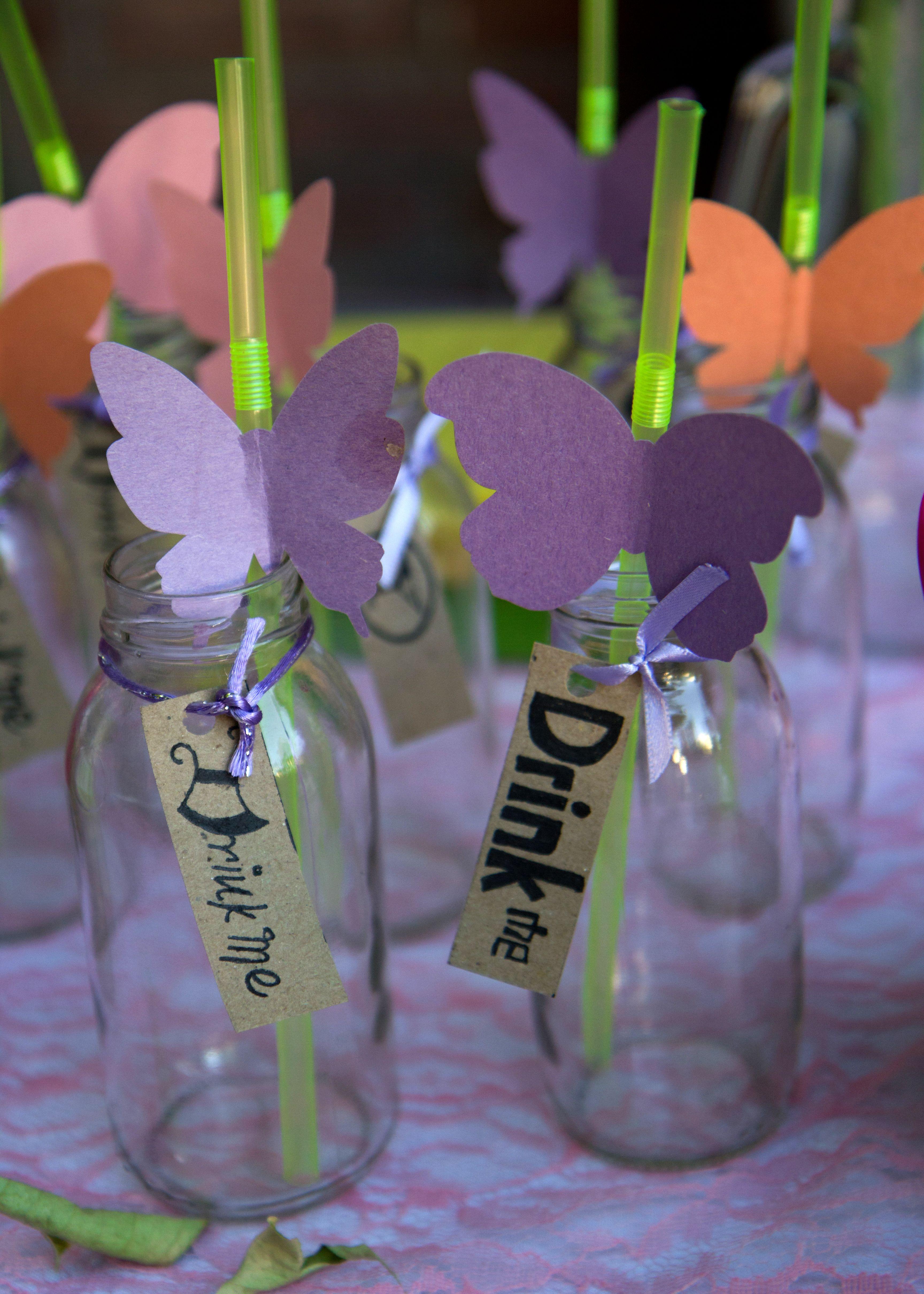frascos de vidrio con detalles para despedida de alicia en