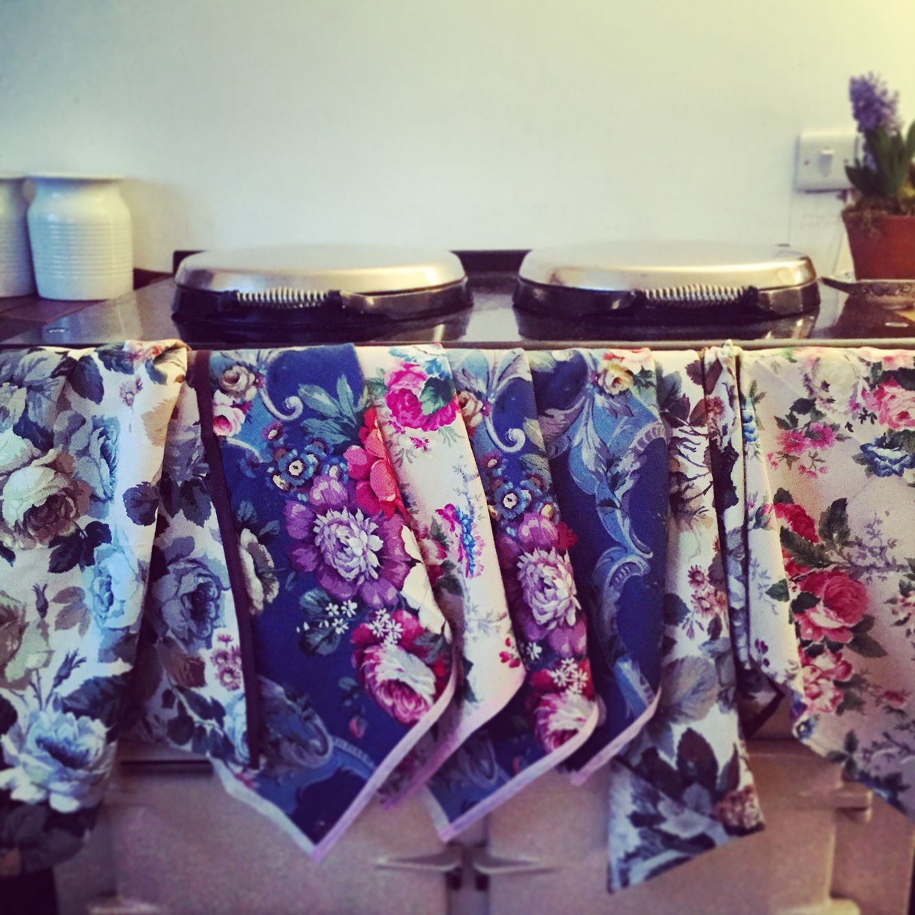 Vintage Home Towels: Vintage Linen Tea Towels From Sarah Moore Home.