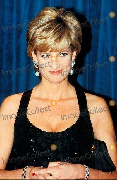 Princess Diana Receives Cerebral Palsy Charity Humanitarian of the Year Awards Photo: -alpha-Globe Photos Inc 1995 Princessdianaretro