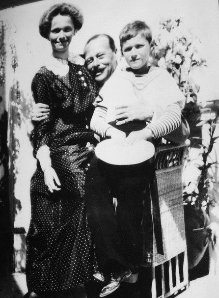 Olga and Alexei with uncle Ernie, their mother's brother