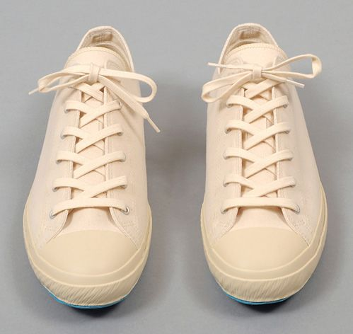 LOW TOP VULCANIZED SNEAKERS, WHITE CANVAS :: HICKOREE'S