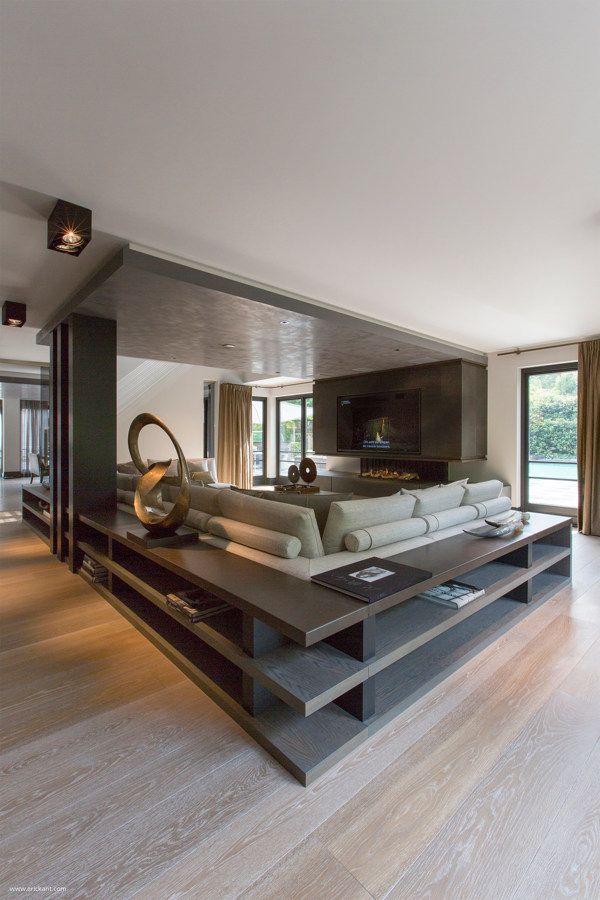 Ultramodern, Sleek House With Sharp Lines | Canapele, Mobilă și ...