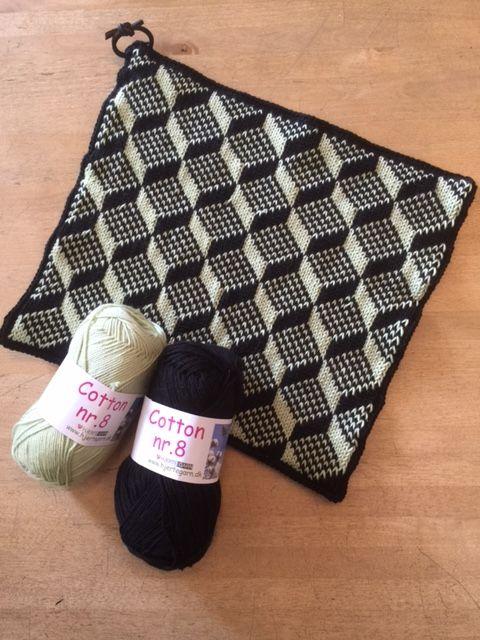 Opskrift til Grydelapper med 3D mønster i Cotton nr. 8 - Amager Strik #gratismønster