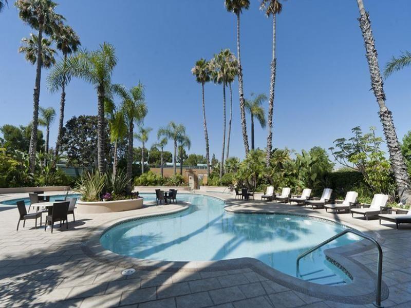 Newport Beach Ca Radisson Hotel United States North America Located In