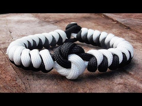 How You Can Make A Yin Yang And Snake Knot Paracord Bracelet