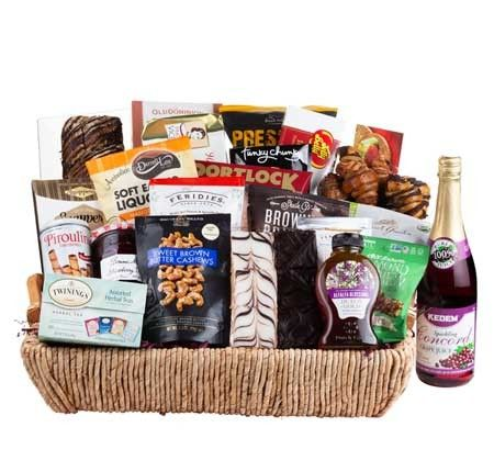 Free Shipping! new items filled and design #giftbaskets Kosher Gift Baskets, Food Gift