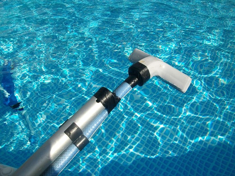 How to vacuum a pool manually instructions - http://simplepooltips.com/vacuum-pool-manually-instructions/