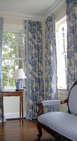 A Romantic Settee By The Window Country Living Room Design