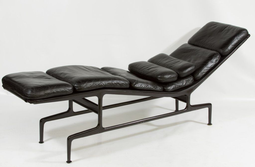 Original Charles Eames Chaise Lounge Chair Black Leather Herman Miller Ebay Eames Chaise Lounge Eames Chaise Chaise Lounge Chair