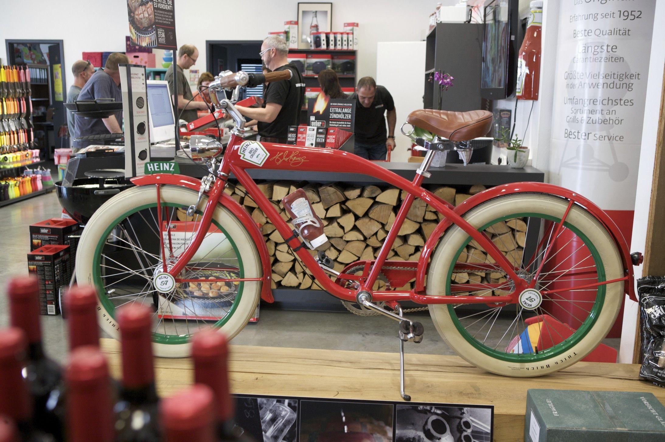 Blickfang In Unserer Ausstellung Ist Der Bbq Cruiser Von Heinz Ladengeschaft Geschaft Fulda
