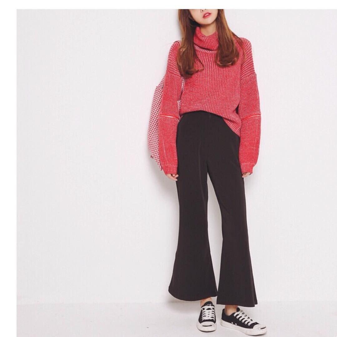 HKD 2 4 9 USD 3 FW Knit Zip Knitwear