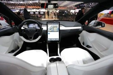 Russia Hankers For Luxury Cars Tesla Roadster Roadsters Tesla Model