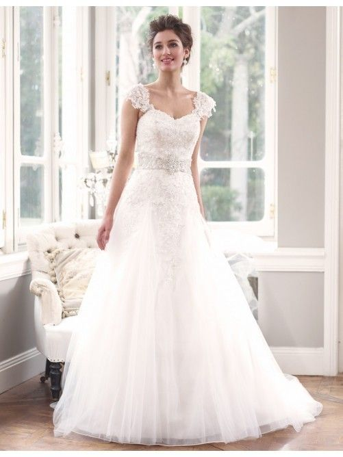 524d6c980cbc Lace Wedding Dress With Removable Cap Sleeves | WEDDING GOWNS ...