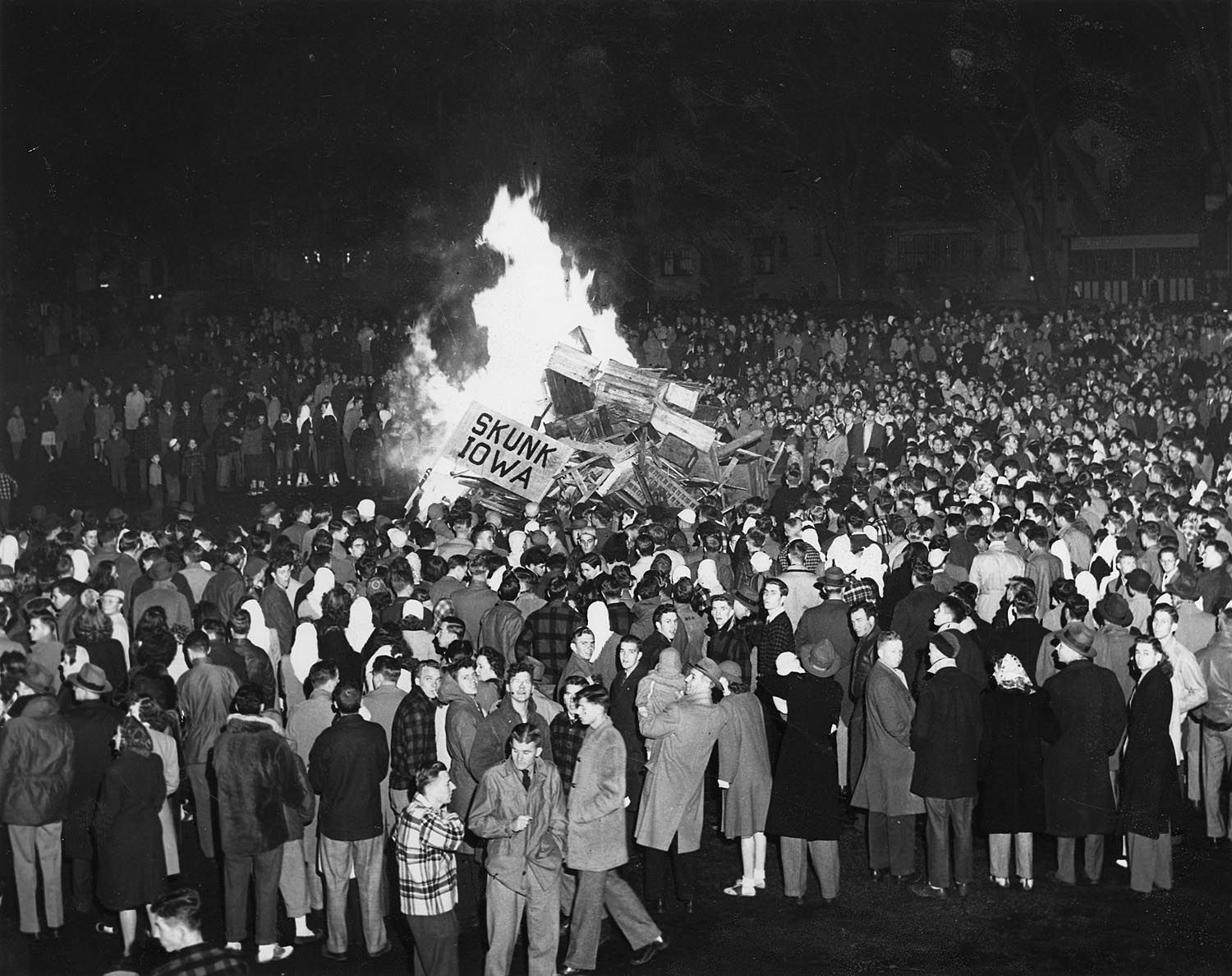 A Homecoming bonfire before the University of