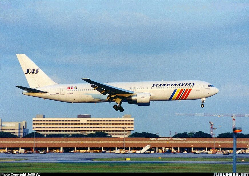 Photos Boeing 767 383 Er Aircraft Pictures Boeing 767 Boeing Scandinavian Airlines System