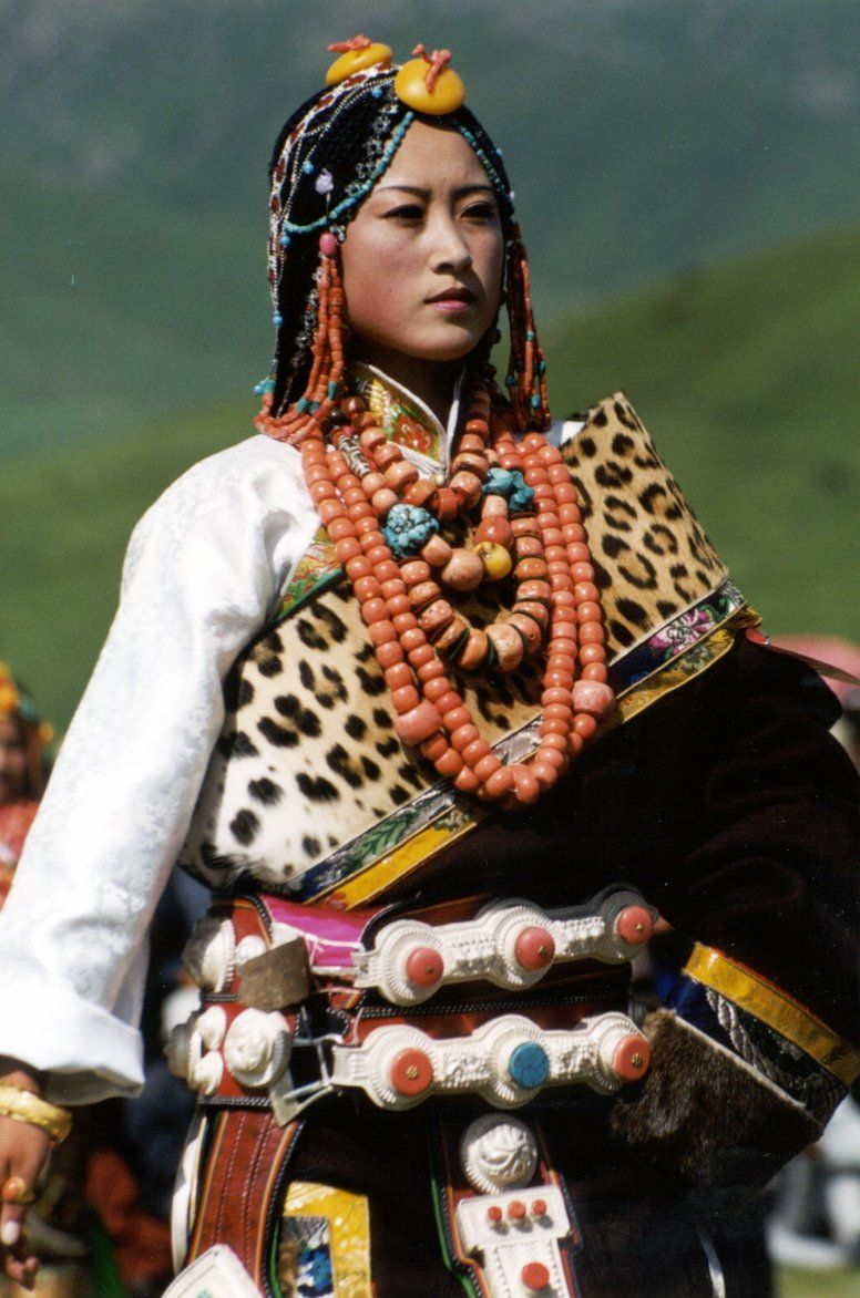 Northern Tibetan Woman in traditional dress. What a ...
