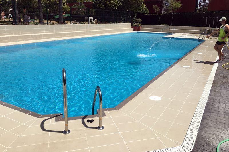 Piscina residencial skimmer cer mica para piscinas klinker t cnico - Skimmer para piscinas ...