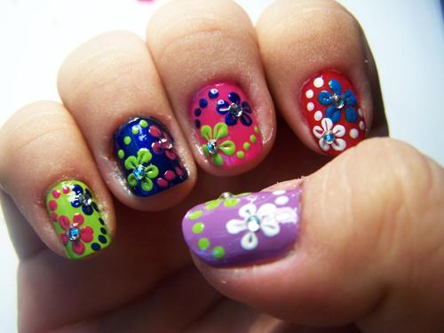 Cute summer manicure