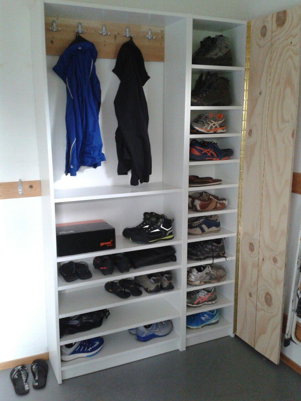 ikea billy boekenkast wordt schoenenkast en kapstok de kast rechts heeft een deelbare deur dmv een pianoscharnier
