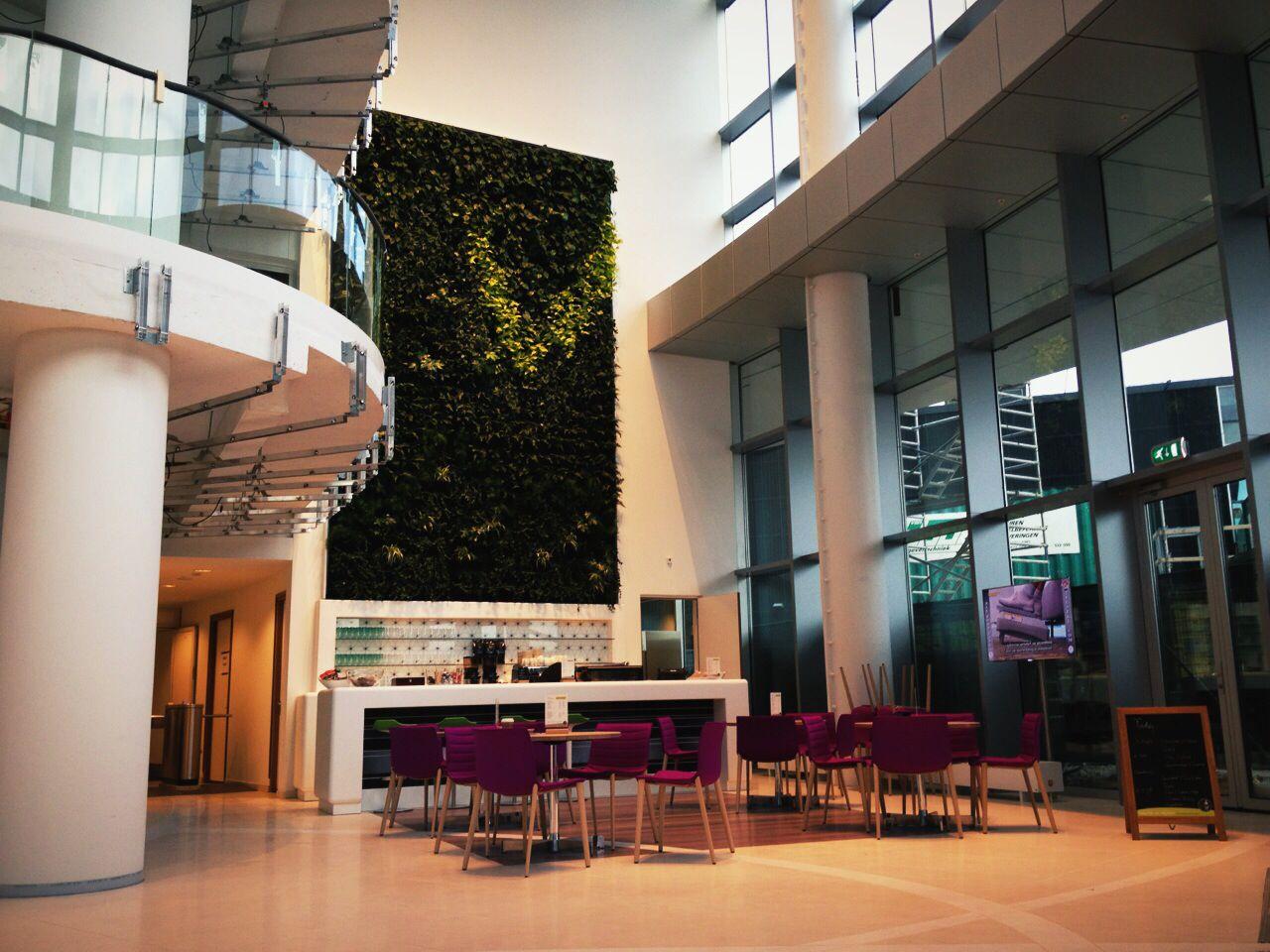 Oval Tower / Deutsche Bank The Netherlands