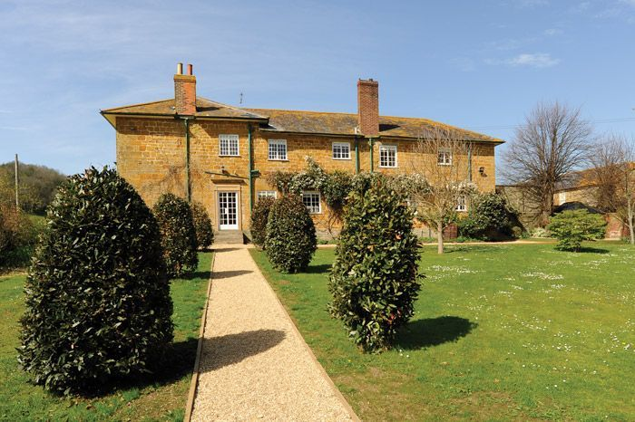 This is a luxury holiday cottage with a large private garden, games room and indoor pool in beautiful Dorset. Crepe Farmhouse, Holiday Cottage in Bridport, Dorset