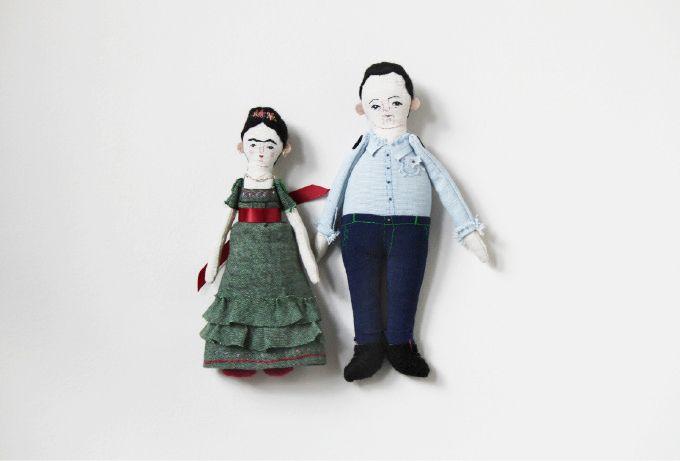 lovely frida + diego dolls by evie barrow ©eviebarrow_fridadiego.jpg