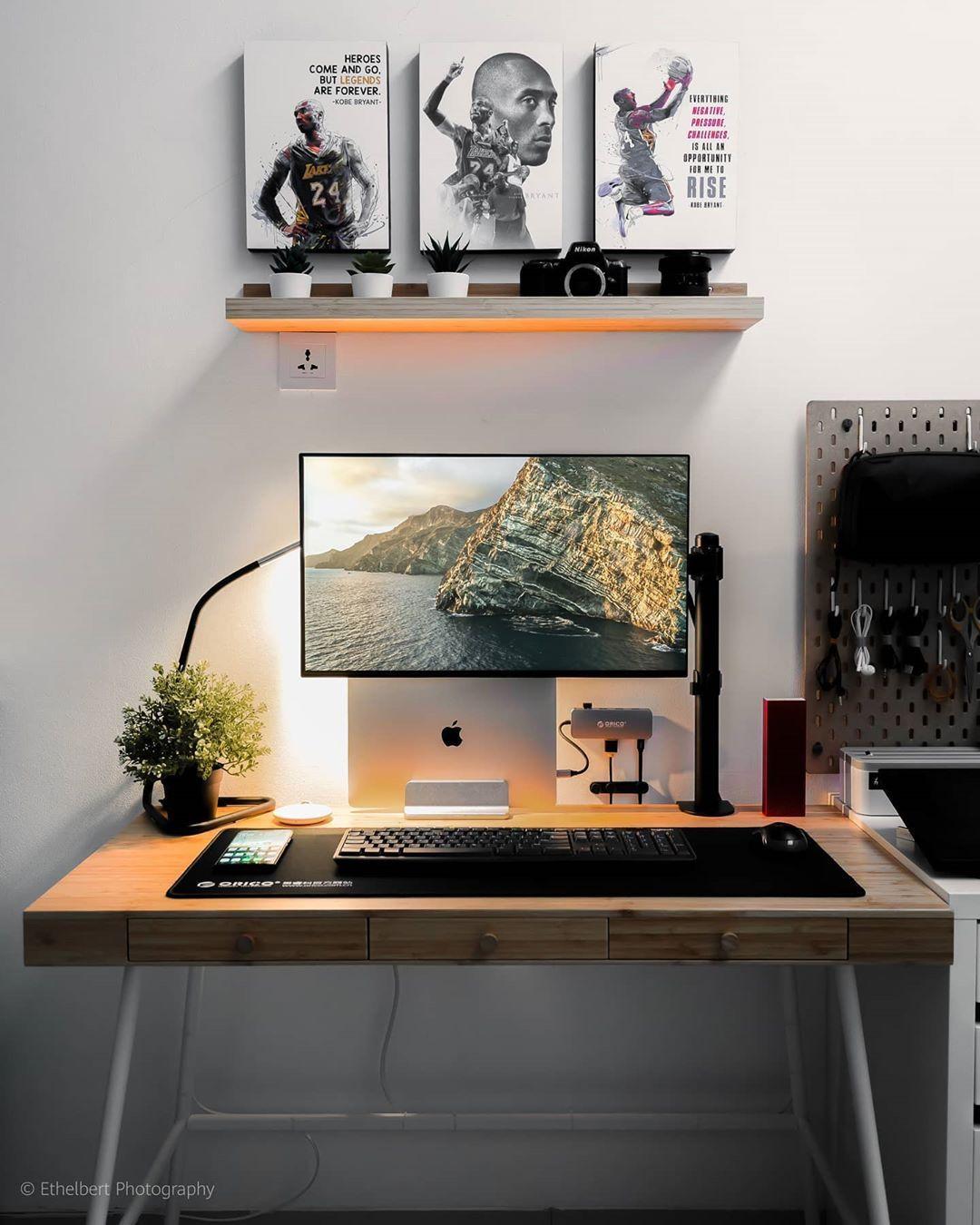20+ Best Minimalist Desk Setups & Home Office Ideas